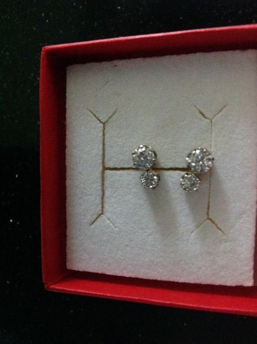 White gold ear studs with diamonds