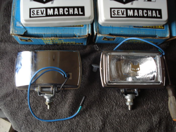 Two new SPOTLIGHTS with protective cover by the brand SEV MARCHAL type 859 GT with a width of 180 mm