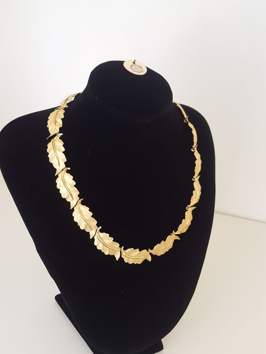 Federico Buccellati - Necklace in chiselled 18 kt gold