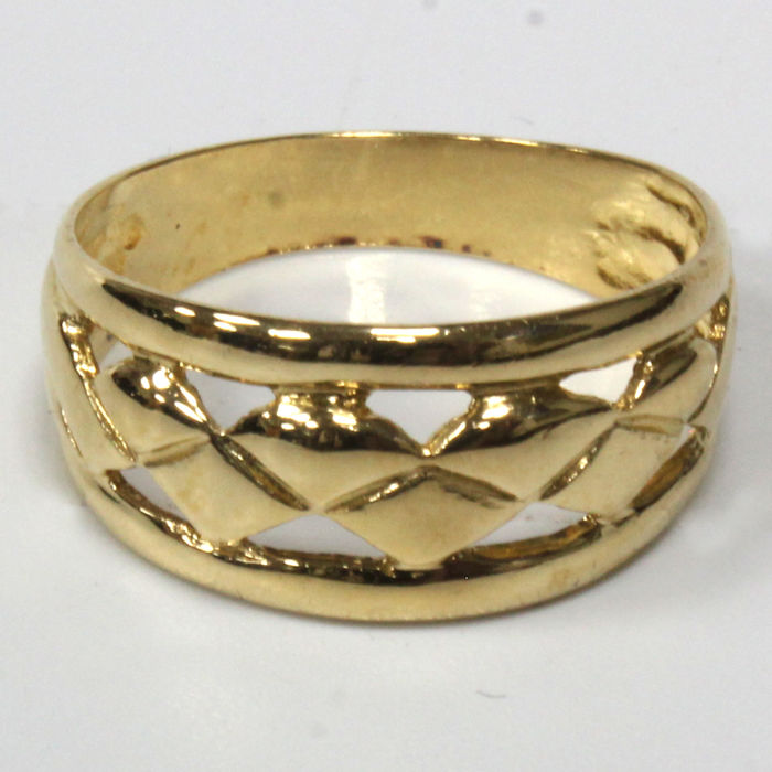 18 kt - Openwork ring made of yellow gold - Size: 17.70 mm 16/56 (EU)
