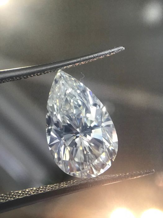 4.01 Hvs1 pear Shape Diamond YI 01