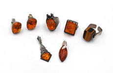 Fischland vintage amber set - 2 rings - 2 pendants and cufflinks - 1 ring tiger's eye