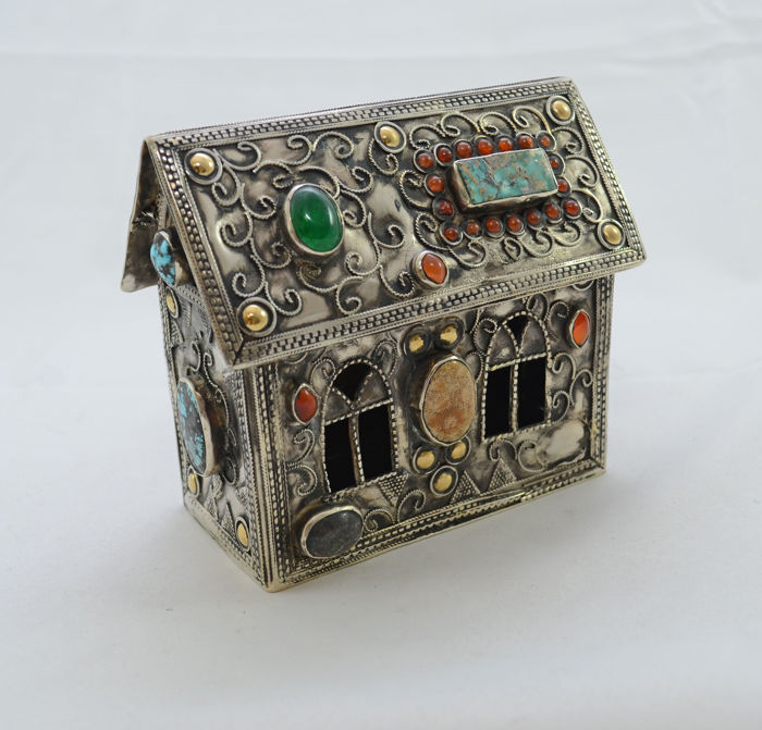 A silver charity box - Tzedakah - Synagogue design -  mounted with semi-precious gemstones and filigree - Turkemenistan - 20th century