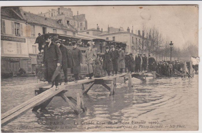 Very fine lot of 50 old postcards of the Paris floods in ...