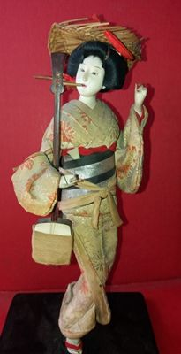 Vintage doll depicting a geisha with shemisen - Japan - circa 1930-40