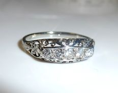 Antique stacking ring in 18 kt / 750 white gold with 5 diamonds of 0.30 ct - ring size 56 - 17.8 mm - adjustable