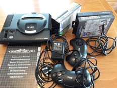 Sega Mega Drive System - 16 bit with 4 games