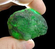 Large Rough Colombian Green Emerald - 4,0 x 3,0 x 2,8 cm - 238,35 ct / 47,69 gm