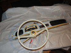 Renault Dauphine - beautiful complete dashboard with radio, steering wheel and Comodos