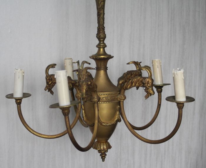 A gilded bronze chandelier with Ram's heads and garlands - France - the 20th century
