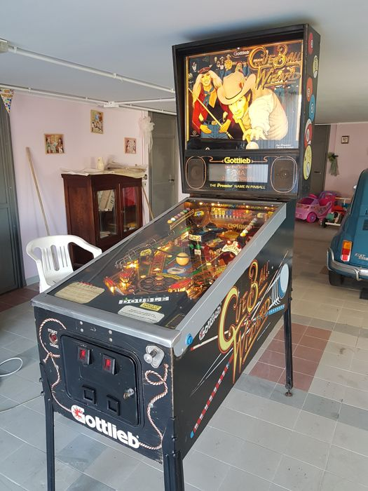 Gottlieb pinball machine 'Cue Ball Wizard' from 1992