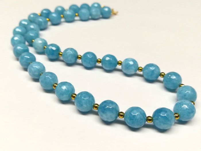 Aquamarine (light blue variety of beryl) , Necklace with gold clasp 19.2 carats, 44 cm - 51 g