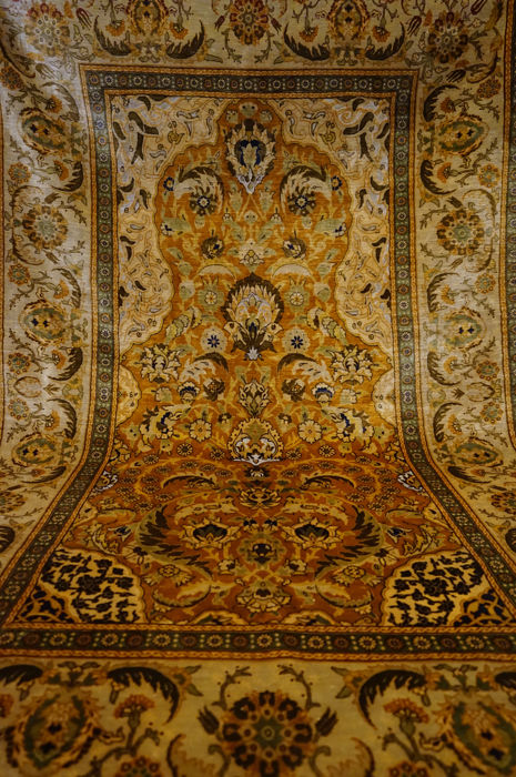 Fine Hereke silk carpet, 100 x 170 cm
