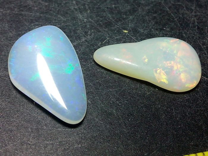 Quality Beautiful Brazilian Opal Multicolor - 15 to 16 mm - 5.05 cts
