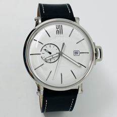 01 The One - Automatic 46mm Stainless Steel Black Leather Strap - A104L2 - Heren - 2011-heden