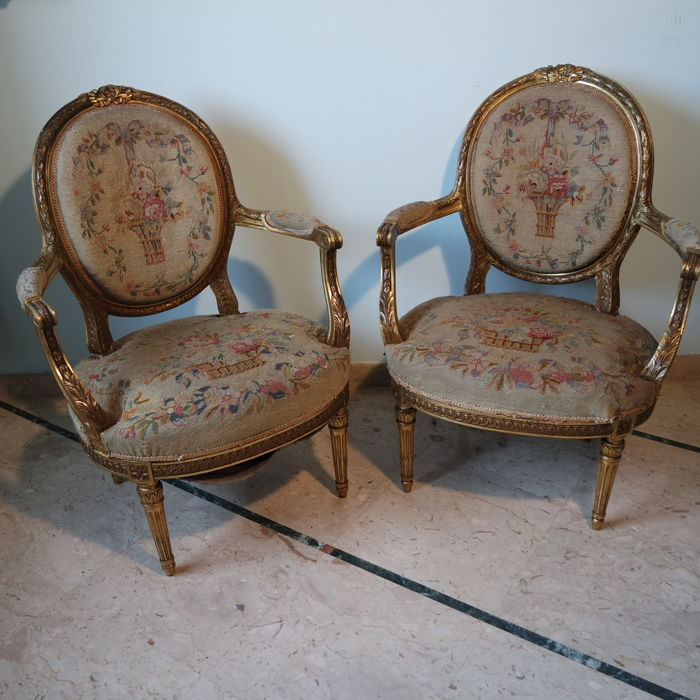 A pair of Louis XVI style fauteuils à la Reine - France - circa 1880