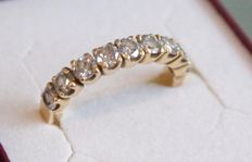 18 kt yellow gold ring inlaid with diamond, ring size 16