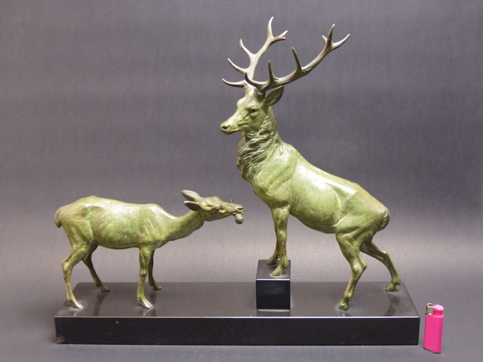 Louis Albert CARVIN (1875-1951) - Male and female deer - group in spelter