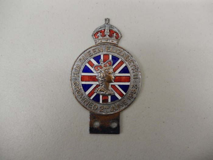 Lovely HM Queen Elizabeth Jubilee Crowned 2nd June 1953 Car Auto Badge Chrome and Enamel in Good Condition Approx 12 cm x 7.5 cm