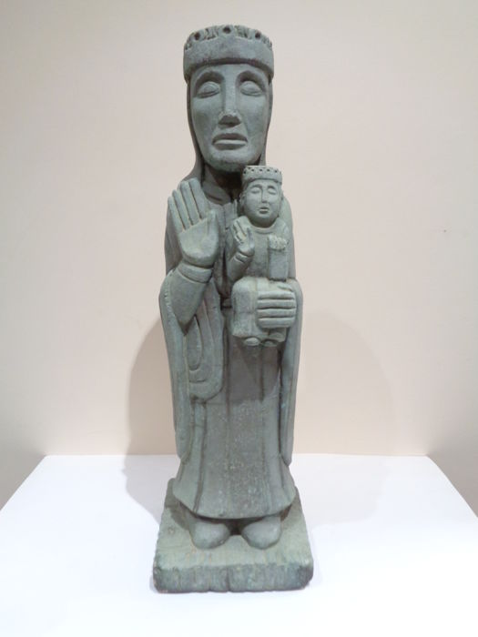 Sculpture of a Romanesque Virgin in stone - 18 x 18 x 58 cm 18 kg