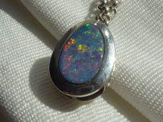 Silver pendant with double Opal on silver necklace