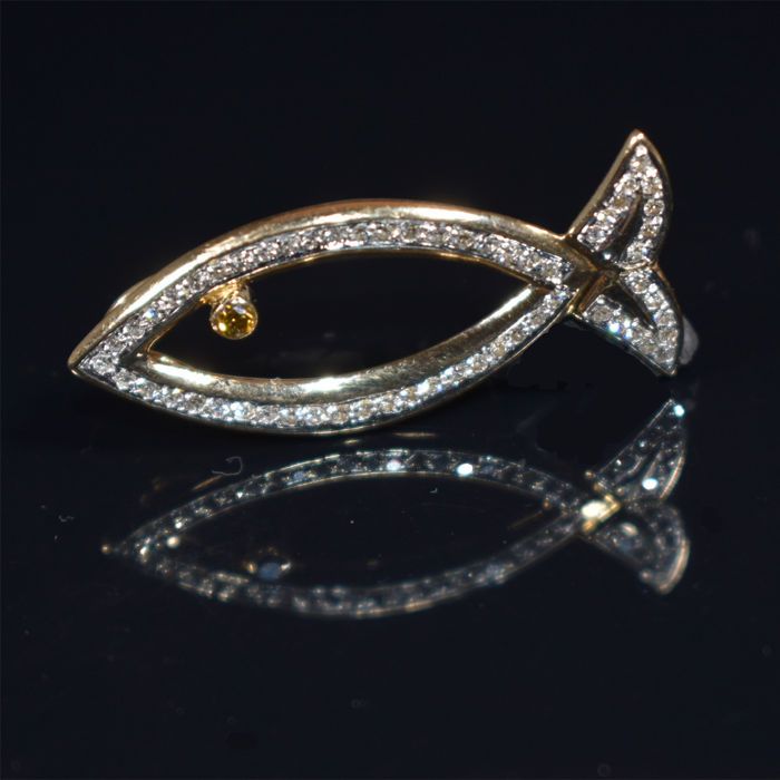 Pendant, fish, 14 kt with 60 diamonds, 1.23 ct By Christ, new condition