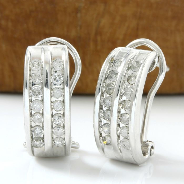 14k White Gold Earrings Set with 0.40 ct H-I, SI2-I1 Diamond