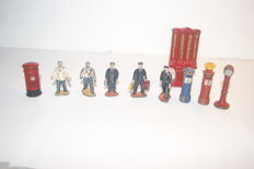 Dinky Toys - various scales - Platform Accessories - 5 x Station Staff no.1 -  GPO 'Post Office' Pillar Box no.12a -