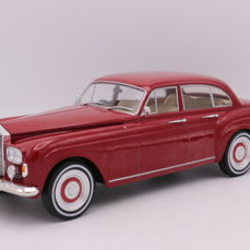MCG - Scale 1/18 - Rolls Royce - Silver Cloud III - Flying Spur