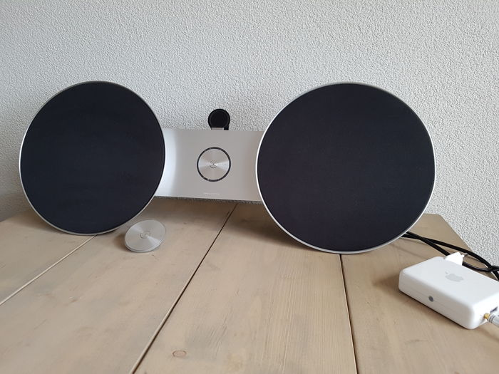 Bang & Olufsen Beosound 8 with Apple airport