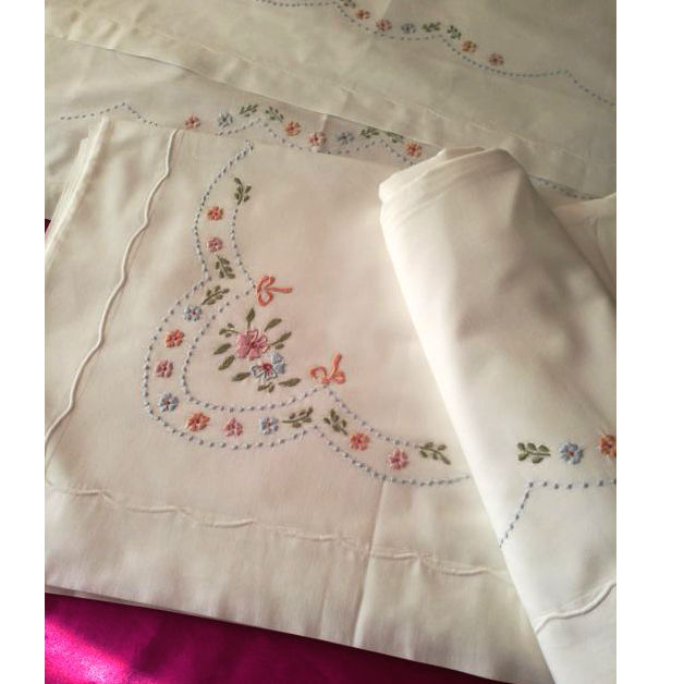 Hand embroidered double bed sheet in 100% cotton - Italy - 230 x  250 cm No reserve price