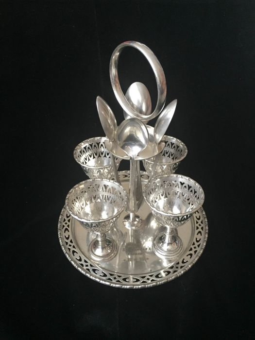 English Victorian Electro Silver Plated C W Fletcher & Sons Egg Cruet / Egg Cup Stand with 4 x W Hutton & Sons Silver Plated Spoons