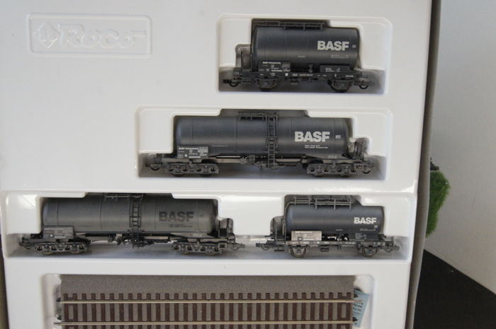 Roco H0 - 44021 - Freight carriage - Set BASF tank wagons - DB
