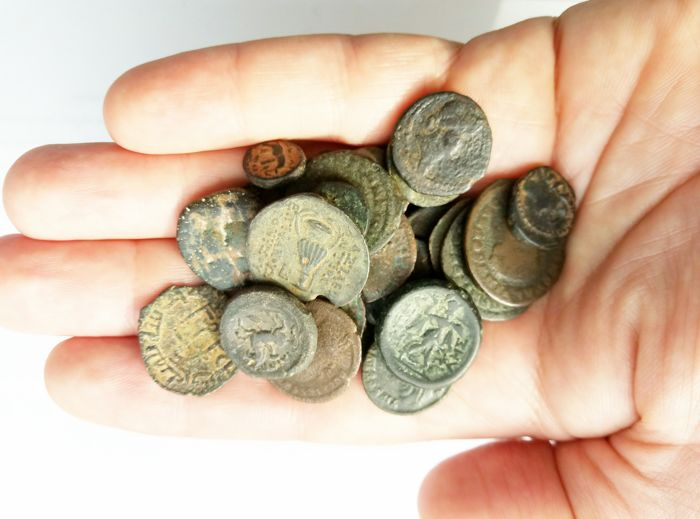 Antquity - Lot of 26 Greek, Roman, Byzantine and Islamic AE coins (26x)