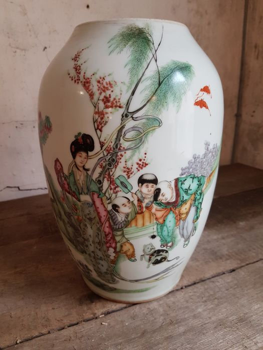 An exceptional large olive shaped jar with a garden scene - China - republic period ca 1940
