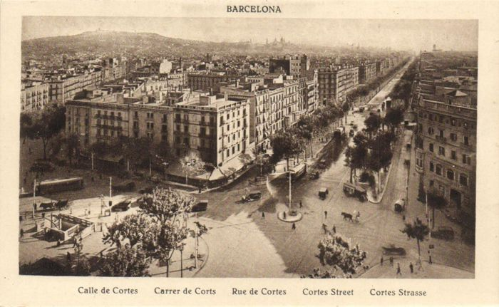 Barcelona, Spain 114 x-various streets and points of interest-period:1900/1965.
