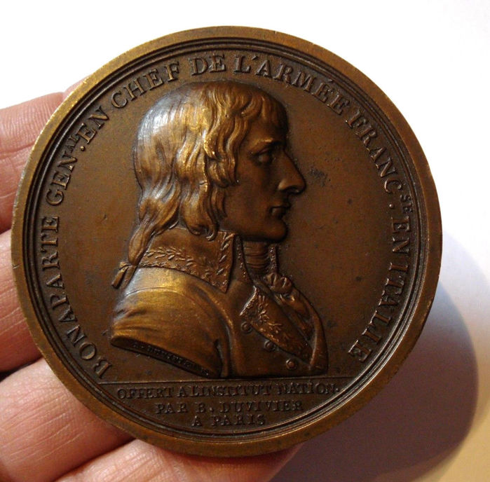 France – Medallion 'Bonaparte – Treaty of Campo-Formio 1797' by Duvivier – bronze