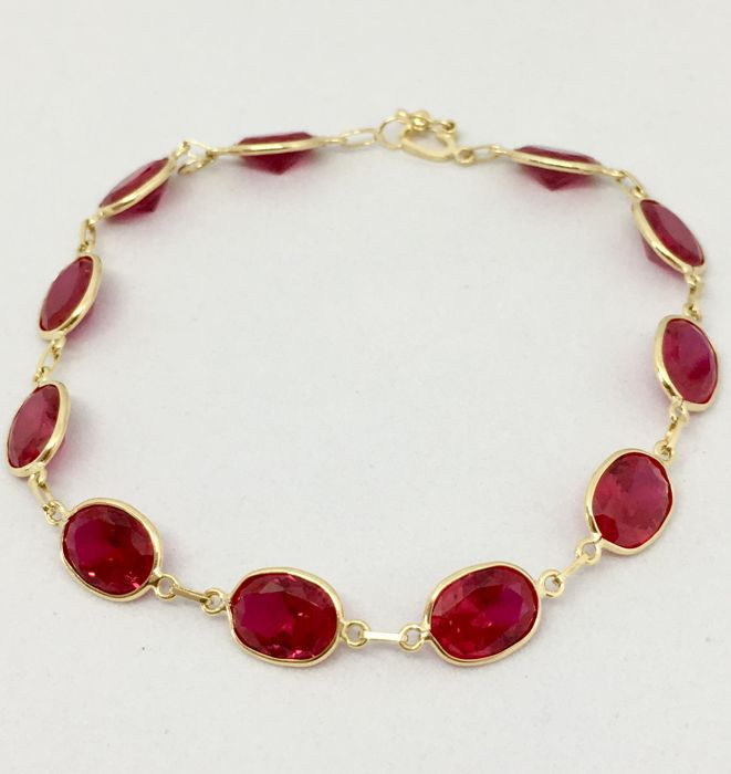 18kt Yellow Gold Bright Red Bracelet Adjustable- 19cm * No Reserve* / 6.57gs