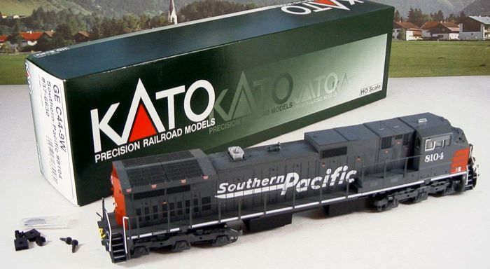 Kato H0 - 37-6630 - Diesellocomotief - GE C44-9W Southern Pacific 8104 - Southern Pacific