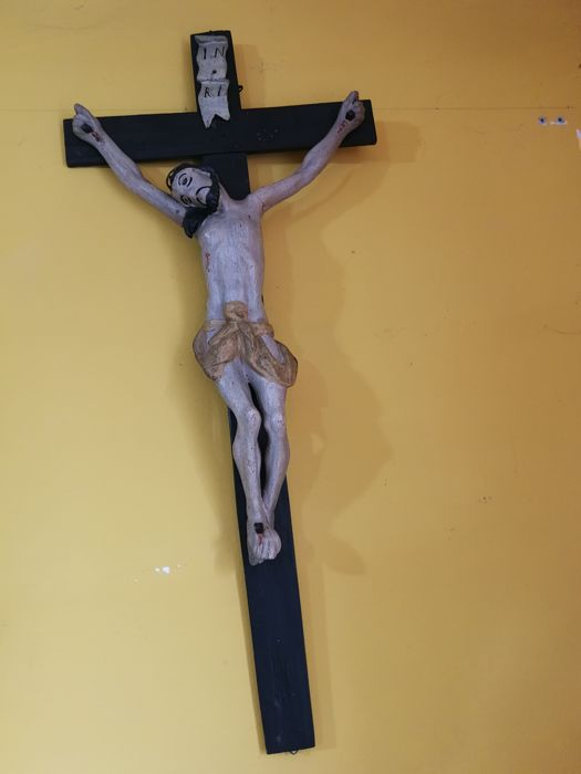 Crucified Christ carved in polychrome wood, with gold plated parts - 19th century Christ, wooden cross 1900