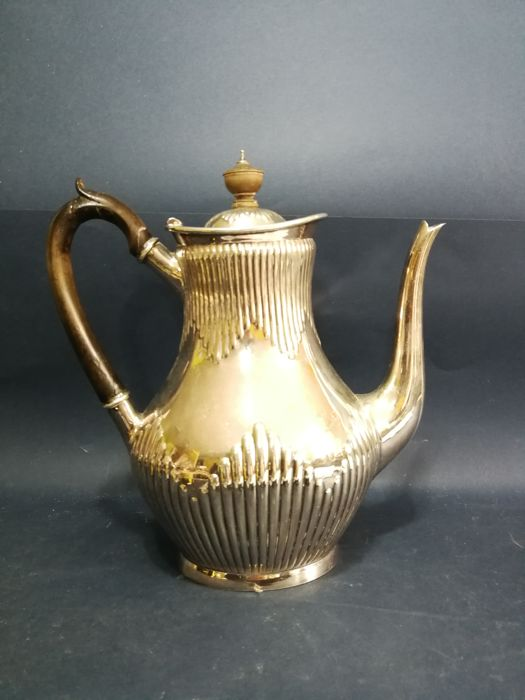 Silver plated teapot with grooved decoration, Queen Anne Style, circa 1900 by Elkington & Co