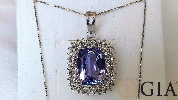 Luxurious 18kt white gold necklace with 5.51 ct certified natural tanzanite GIA and 1.20 ct diamonds - *** NO RESERVE ***