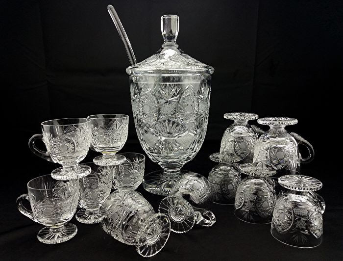 Cocktail set - One large goblet with lid and 12 glasses - goblets