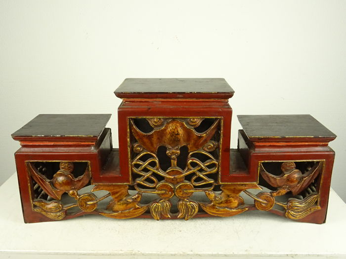 Gilt wooden stand with bats and coins carving, China,  19th century