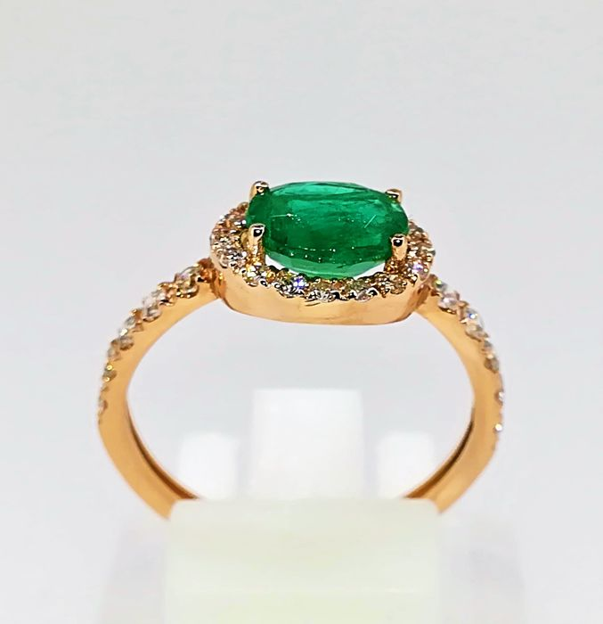 18 kt rose gold ring, top quality emerald and diamonds, 1.85 ct, G VS, size 14