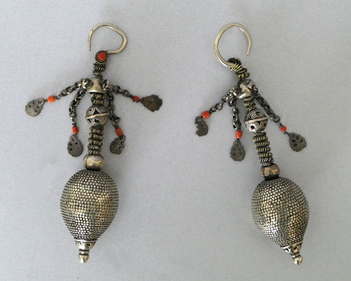 Silver drop earrings - Afghanistan/Pakistan - 1° half of the twentieth century