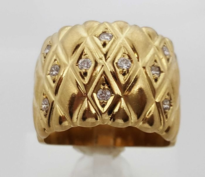 Gold ring (18 kt) with zirconias, 8.91 g