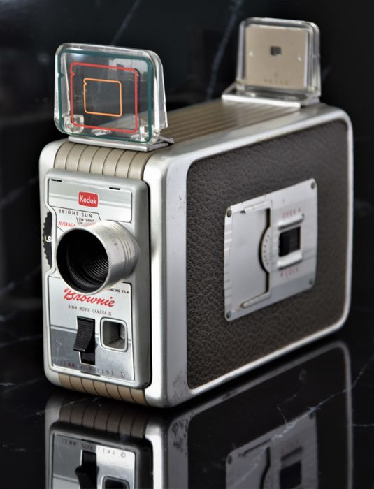 1959/60  KODAK  'Brownie'  8mm Movie Camera II.