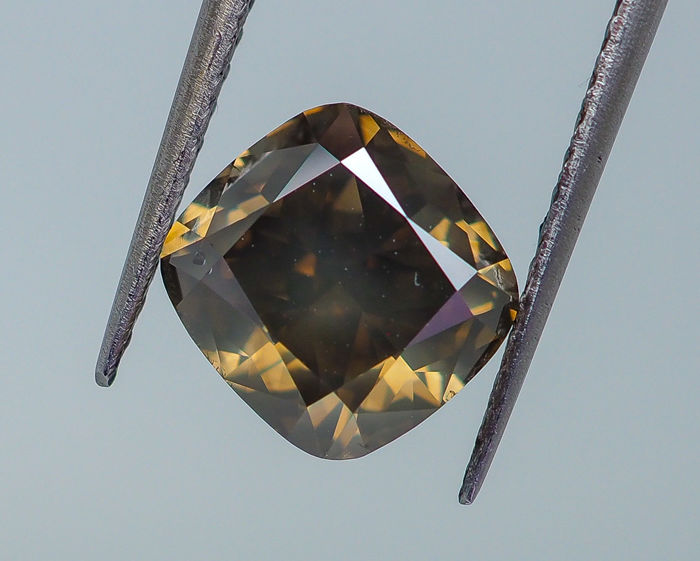 3.36 ct - Natural Fancy Diamond - Intense Greenish Yellow - SI2 *NO RESERVE*