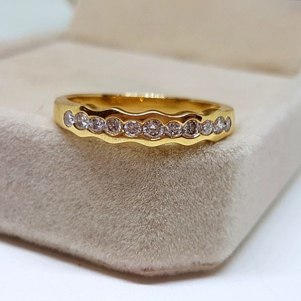 Gold (18 kt) ring with diamonds - Total 0.55 ct - No reserve price